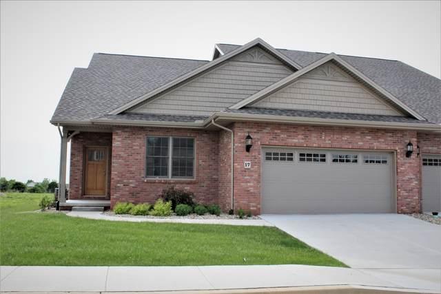 21 Saint Ivans Circle, Bloomington, IL 61705 (MLS #11074544) :: Littlefield Group