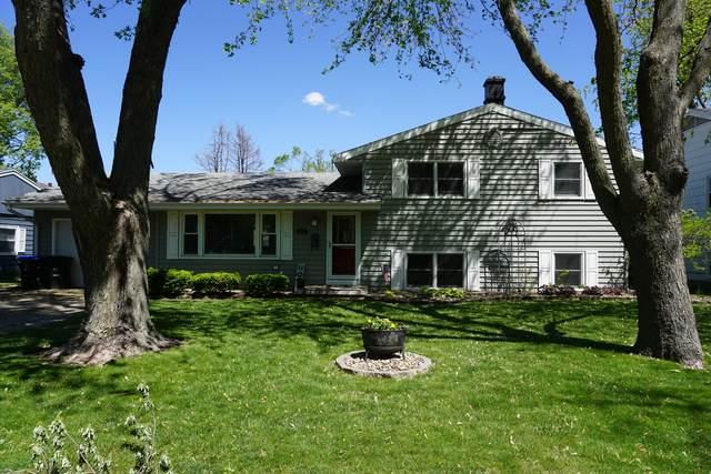 912 Mayflower Avenue, Bloomington, IL 61701 (MLS #11076202) :: Ryan Dallas Real Estate
