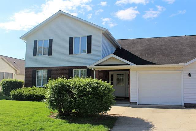 26 Colonial Drive #4, CLINTON, IL 61727 (MLS #11077306) :: Helen Oliveri Real Estate