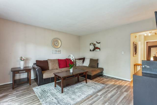 2208 Arbor Circle #4, Downers Grove, IL 60515 (MLS #11077371) :: BN Homes Group
