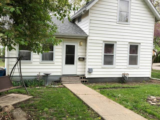 303 W Prairie Street, Pontiac, IL 61764 (MLS #11077409) :: Ani Real Estate