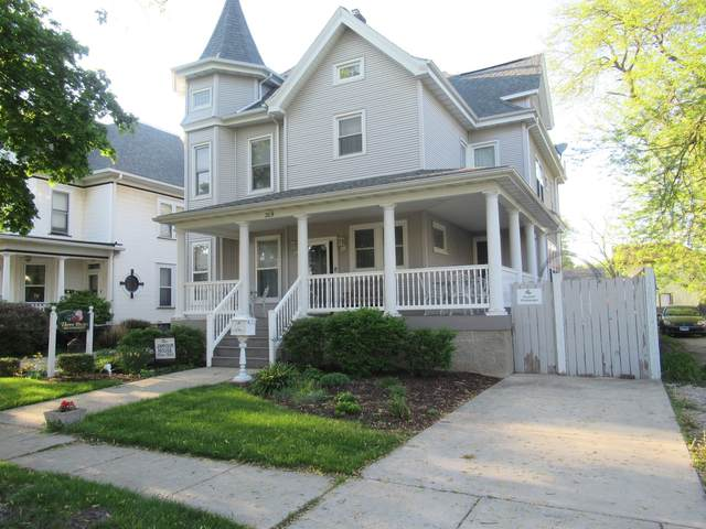 209 E Howard Street, Pontiac, IL 61764 (MLS #11077996) :: Ani Real Estate