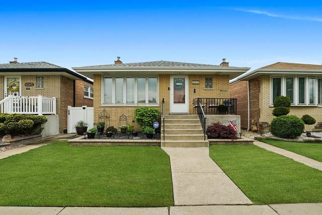 6021 W 63rd Place, Chicago, IL 60638 (MLS #11078242) :: Helen Oliveri Real Estate