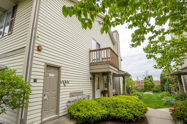 5523 Barclay Court Na, Clarendon Hills, IL 60514 (MLS #11078591) :: Carolyn and Hillary Homes