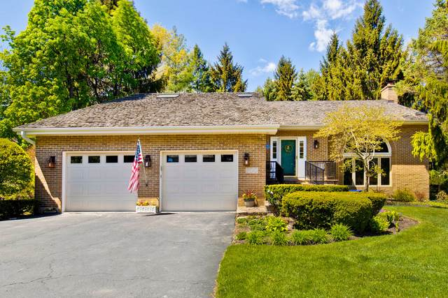 300 Wimbledon Court, Lake Bluff, IL 60044 (MLS #11078950) :: Helen Oliveri Real Estate