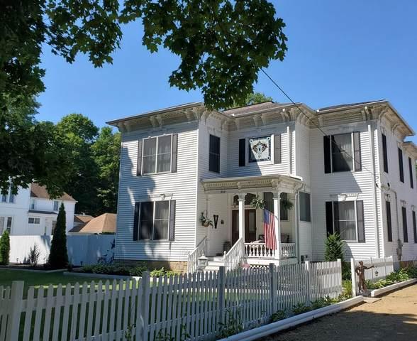 302 S 3rd Street, Oregon, IL 61061 (MLS #11079291) :: Ani Real Estate