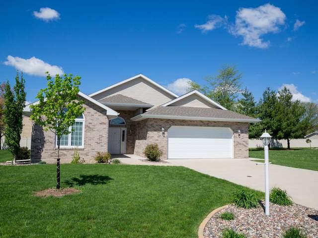 2212 Liberty Lane, Peru, IL 61354 (MLS #11079390) :: Helen Oliveri Real Estate