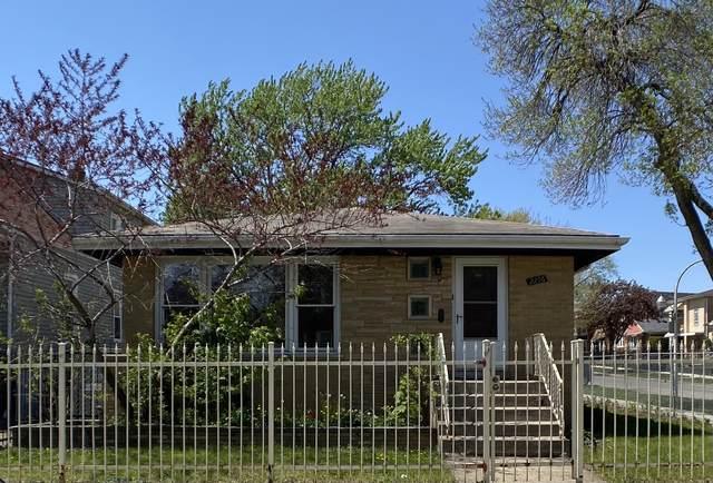 2256 N Lamon Avenue, Chicago, IL 60639 (MLS #11079538) :: Helen Oliveri Real Estate