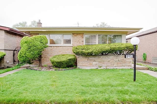8950 S Yates Boulevard, Chicago, IL 60617 (MLS #11079608) :: Helen Oliveri Real Estate