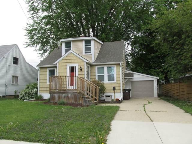 1412 E 16th Street, Sterling, IL 61081 (MLS #11079923) :: Littlefield Group