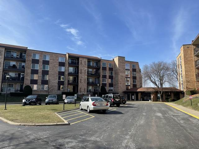 502 W Huntington Commons Road #136, Mount Prospect, IL 60056 (MLS #11080111) :: Helen Oliveri Real Estate