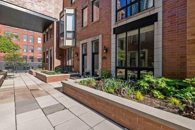 640 W Fulton Street C, Chicago, IL 60661 (MLS #11080557) :: Suburban Life Realty