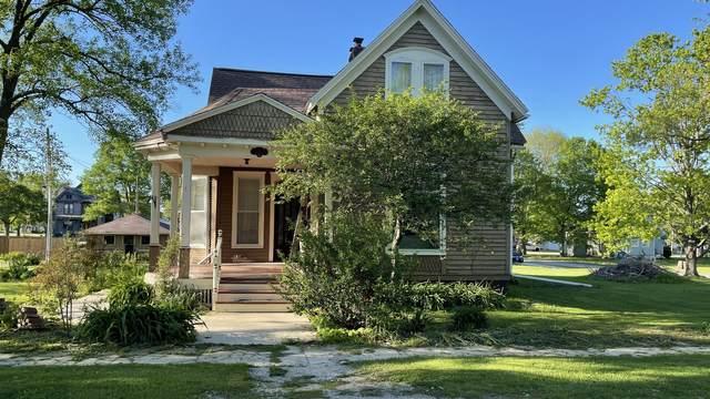 205 E Main Street, Lexington, IL 61753 (MLS #11080653) :: Jacqui Miller Homes