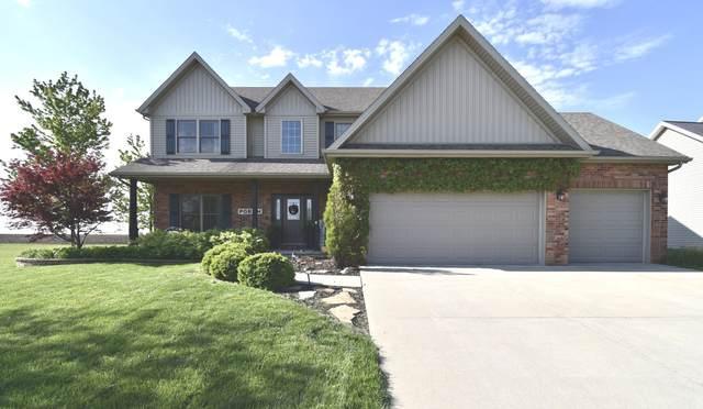 3915 Baywood Road, Bloomington, IL 61705 (MLS #11080875) :: Ani Real Estate