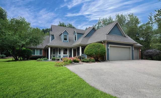 10 Autumn Trail, Barrington Hills, IL 60010 (MLS #11081606) :: Carolyn and Hillary Homes