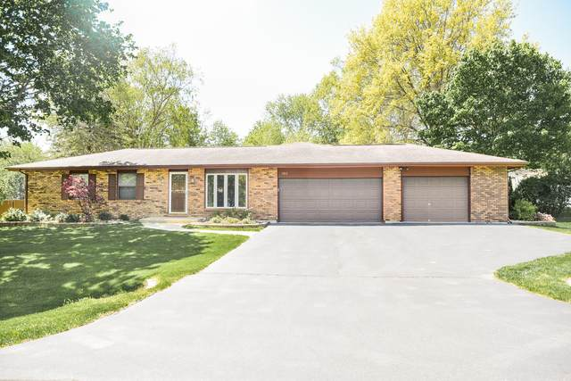 5812 S Beebe Drive, Rochelle, IL 61068 (MLS #11081763) :: Carolyn and Hillary Homes