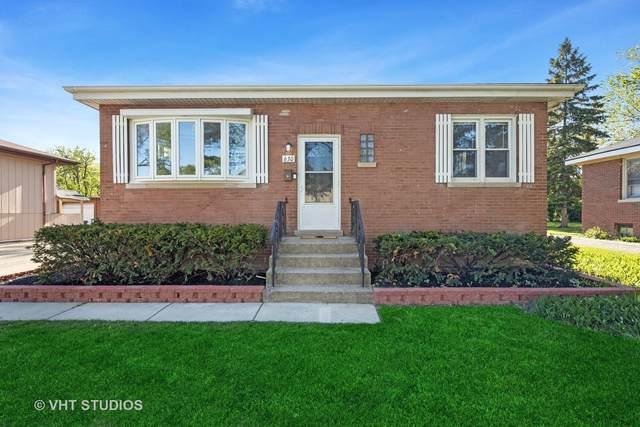 630 Mills Street, Hinsdale, IL 60521 (MLS #11082433) :: Helen Oliveri Real Estate