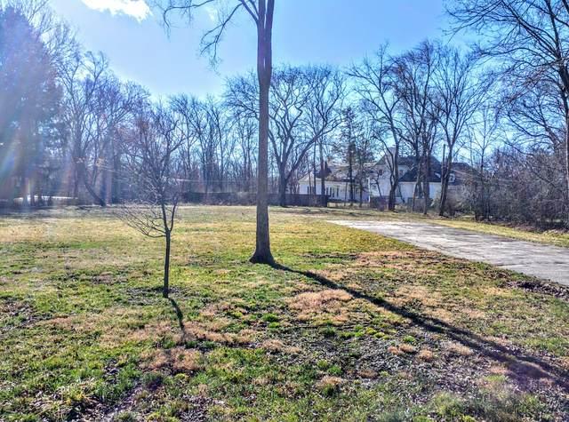 275 Sunset Drive, Northfield, IL 60093 (MLS #11083010) :: Helen Oliveri Real Estate