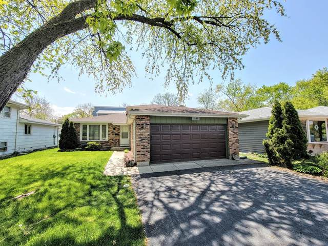 1545 Maple Avenue, Downers Grove, IL 60515 (MLS #11083113) :: Helen Oliveri Real Estate