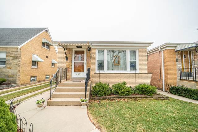 6923 W Balmoral Avenue, Chicago, IL 60656 (MLS #11084258) :: Helen Oliveri Real Estate
