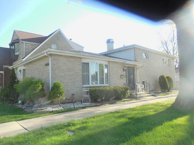 2300 S 10th Avenue, North Riverside, IL 60546 (MLS #11084392) :: Angela Walker Homes Real Estate Group