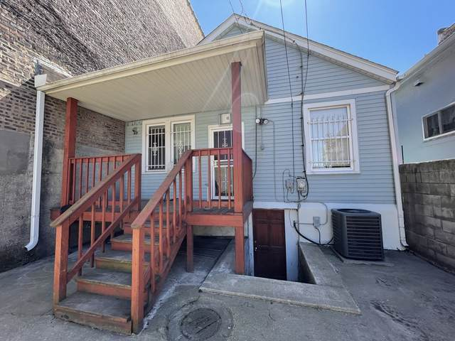 9343 S South Chicago Avenue, Chicago, IL 60617 (MLS #11084796) :: Helen Oliveri Real Estate