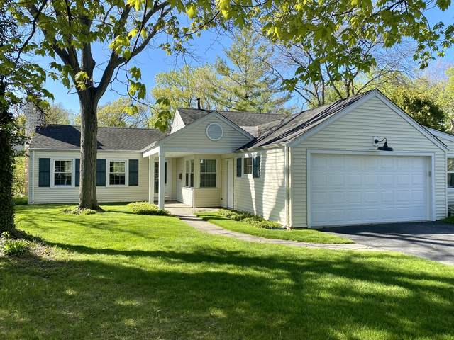 360 Thackeray Lane, Northfield, IL 60093 (MLS #11085678) :: Helen Oliveri Real Estate