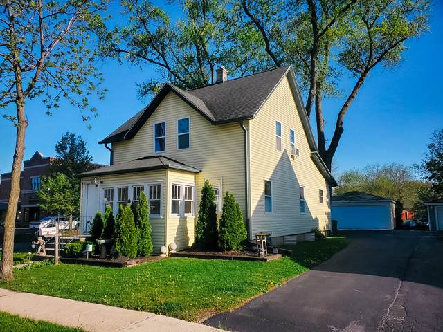 399 Center Street, Grayslake, IL 60030 (MLS #11085722) :: Helen Oliveri Real Estate