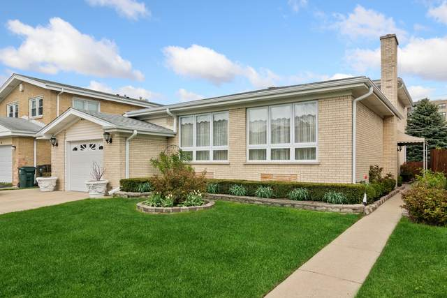 7121 N Kenton Avenue, Lincolnwood, IL 60712 (MLS #11086139) :: Helen Oliveri Real Estate