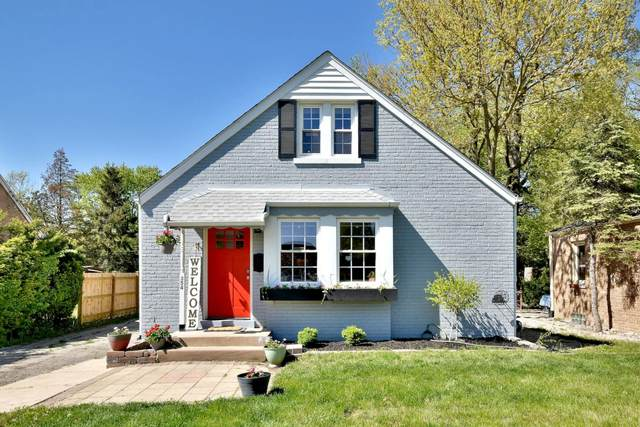 354 55th Street, Clarendon Hills, IL 60514 (MLS #11086578) :: Helen Oliveri Real Estate
