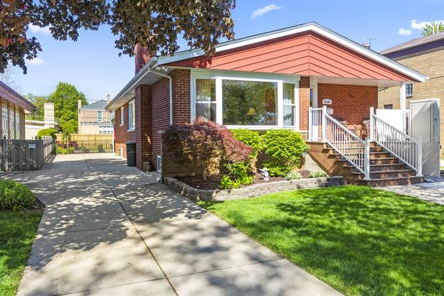 9138 S Mozart Avenue, Evergreen Park, IL 60805 (MLS #11087433) :: Helen Oliveri Real Estate