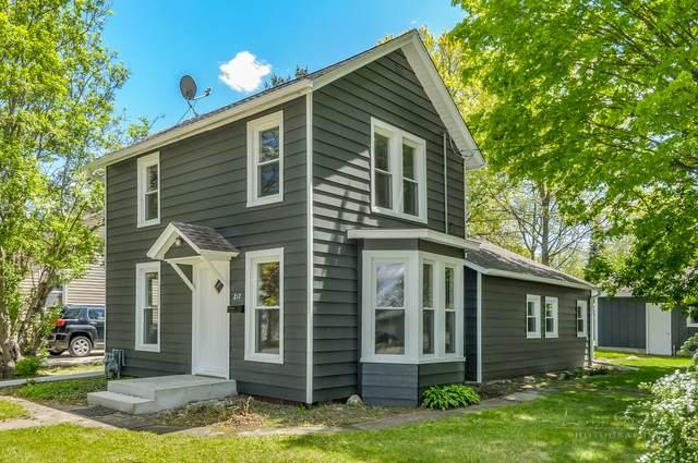 217 W Dearborn Street, Plano, IL 60545 (MLS #11087943) :: Helen Oliveri Real Estate