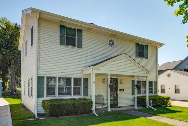 913 N Hickory Avenue, Arlington Heights, IL 60004 (MLS #11088204) :: Helen Oliveri Real Estate