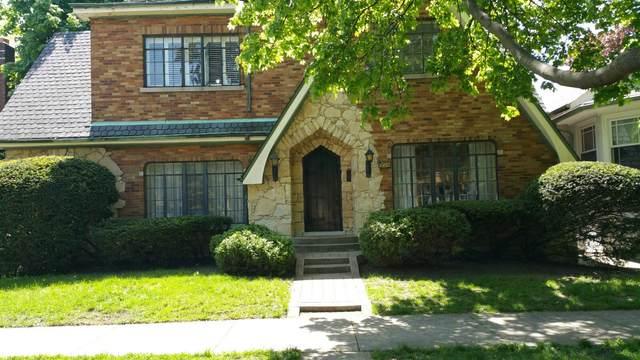 2453 W Morse Avenue, Chicago, IL 60645 (MLS #11088906) :: Littlefield Group