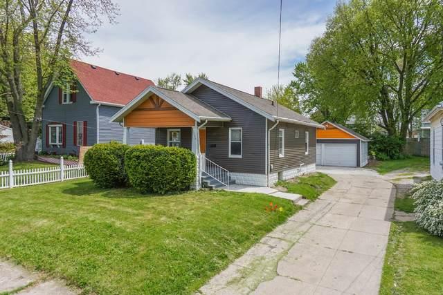 1204 W Jackson Street, Bloomington, IL 61701 (MLS #11089609) :: Littlefield Group