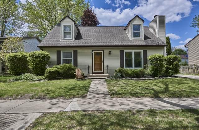 100 S Deerpath Drive, Vernon Hills, IL 60061 (MLS #11089919) :: Littlefield Group