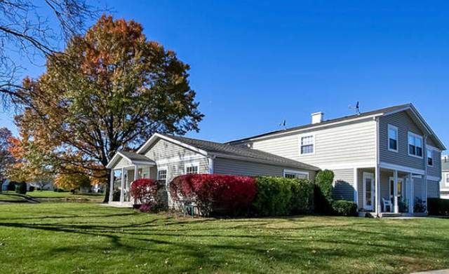 1221 Elder Court 52A, Wheeling, IL 60090 (MLS #11089933) :: Helen Oliveri Real Estate