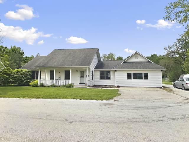 96 N Pearl Street E, Milford, IL 60953 (MLS #11099376) :: Littlefield Group