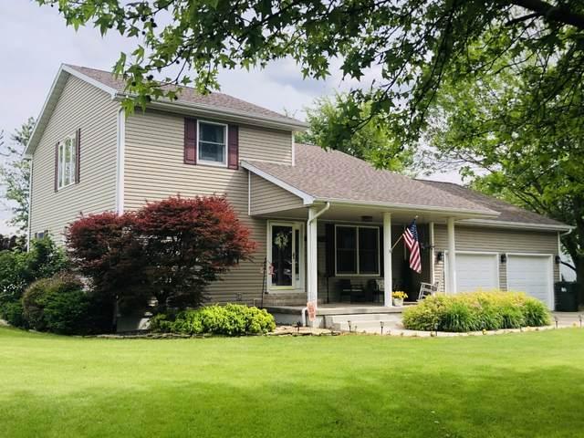 5 Country Club Lane, ARCOLA, IL 61910 (MLS #11107399) :: BN Homes Group