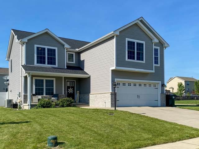 1626 Hunters Ridge Court, Mahomet, IL 61853 (MLS #11109549) :: Touchstone Group