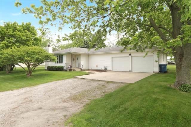207 E School Street, Ellsworth, IL 61737 (MLS #11109659) :: Ryan Dallas Real Estate