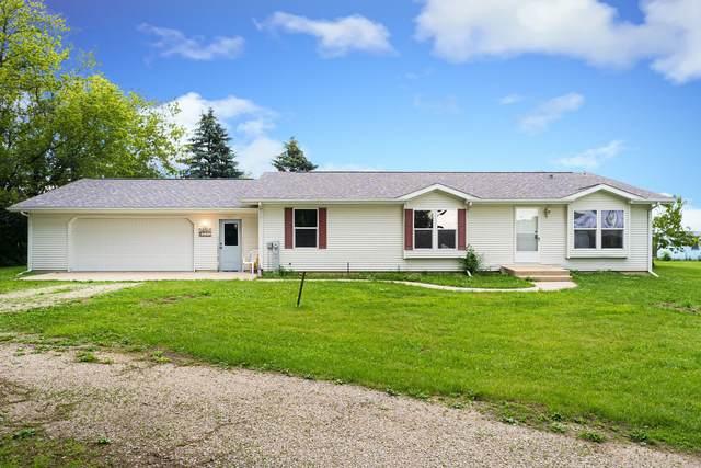 891 N White Rock Road, Chana, IL 61015 (MLS #11109958) :: Suburban Life Realty