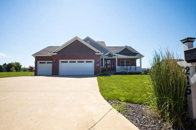 215 Prairie Ridge Drive, Lexington, IL 61753 (MLS #11110694) :: Jacqui Miller Homes