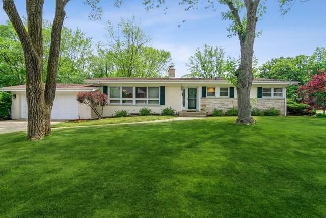 901 Bittersweet Drive, Northbrook, IL 60062 (MLS #11111153) :: Helen Oliveri Real Estate