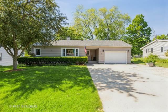1915 W Indian Ridge Drive, Mchenry, IL 60051 (MLS #11111405) :: O'Neil Property Group