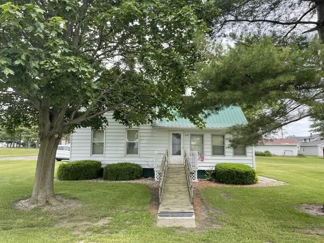 207 W Eubank Street, Ellsworth, IL 61737 (MLS #11111723) :: Ryan Dallas Real Estate