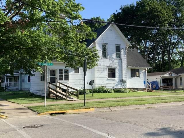 110 N 5th Street, Oregon, IL 61061 (MLS #11114929) :: Ryan Dallas Real Estate