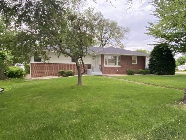 310 S Broadway Street, Coal City, IL 60416 (MLS #11115830) :: Ryan Dallas Real Estate