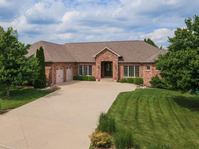 8372 Medinah Drive, Bloomington, IL 61705 (MLS #11116939) :: Jacqui Miller Homes