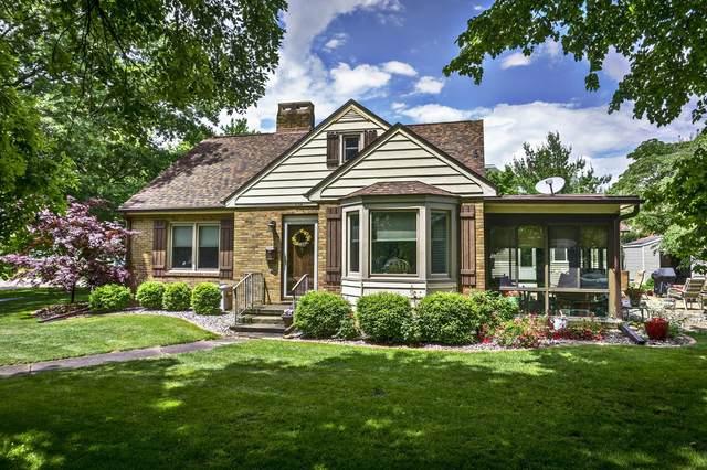 606 E 10th Street, Gibson City, IL 60936 (MLS #11117225) :: Ryan Dallas Real Estate
